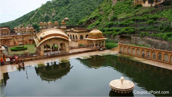 galtaji-temple-places-to-visit-in-jaipur