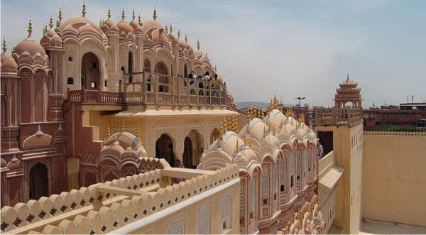 hawa-mahal-museum-places-to-visit-in-jaipur